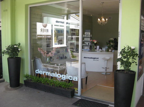 Skindynamique Waxing & Skin Centre : Front of clinic