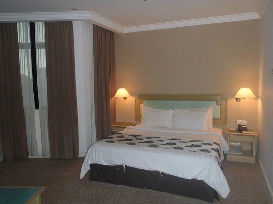 Regalodge Hotel Ipoh: Executive Room - Bed