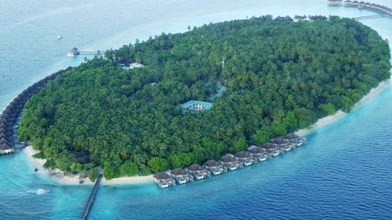 Dusit Thani Maldives: ホテル全景
