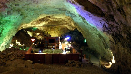 Grand Canyon Caverns: Una sala transformada en dormitorio