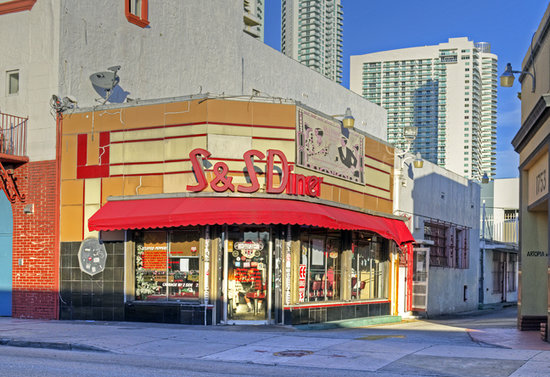 Photo of American Restaurant S & S Restaurant at 1757 Ne 2nd Ave, Miami, FL 33132, United States