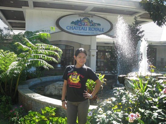 Chateau Royale Sports & Country Club: @ the entrance