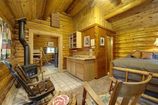 Silver Gate Cabins: Cabin Interior