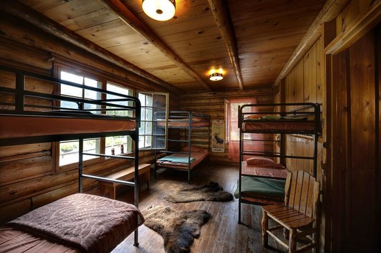 Silver Gate Cabins: 9