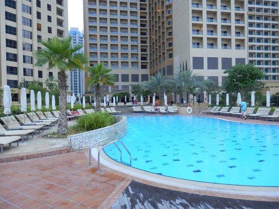 Amwaj Rotana: Poolside