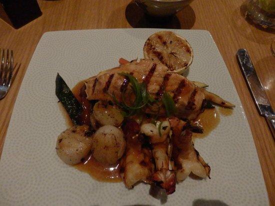 Amwaj Rotana : Dinner