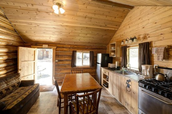 Pine Edge Cabins: Cabin Interior