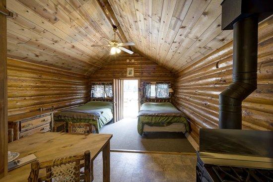 Pine Edge Cabins Resmi