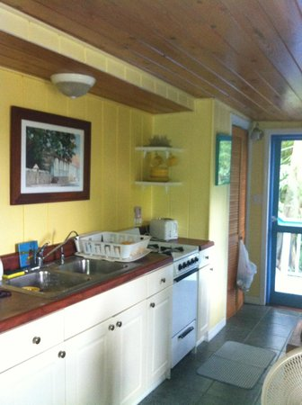 Stonegarden Cottage: Great kitchen area!