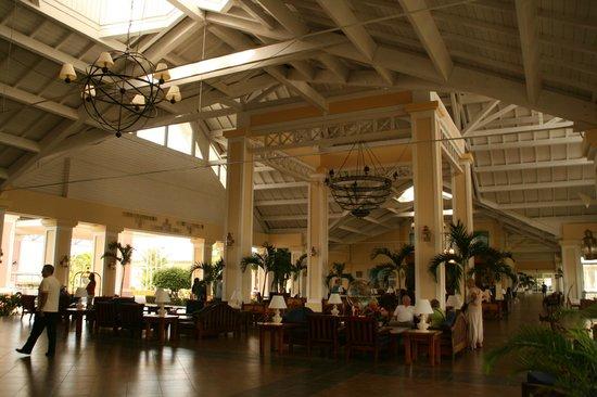 Blau Marina Varadero Resort: Blau Marina Resort Lobby