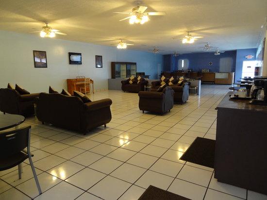 Parkway Inn Airport Motel: Motel's Lobby