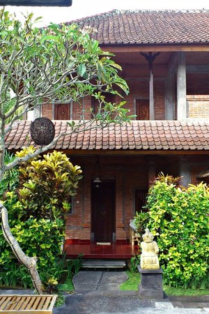 Sri Bungalows: Our room - exterior.