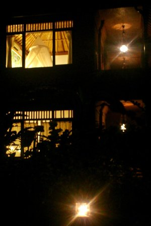 Sri Bungalows: Our room - exterior, by night.