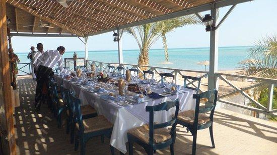 El Sayadin Restaurant: Beautiful table setting
