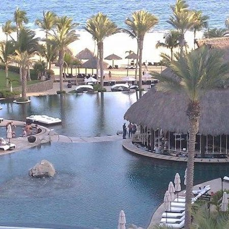 Cabo Azul Resort: Pools and beach (seen from balcony)