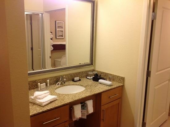 Residence Inn Marriott West Chester : vanity