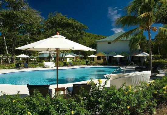 Bequia Beach Hotel: Main Pool