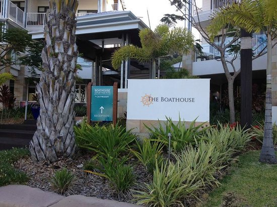 Mantra Boathouse Apartments: Entrance