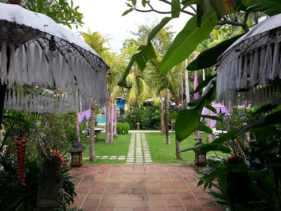 The Mansion Resort Hotel & Spa: grounds