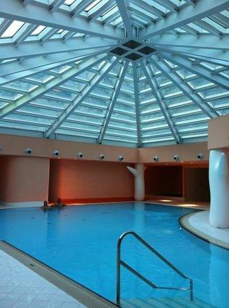 Castel Rundegg Hotel: Piscina thermarium con cupola panoramica