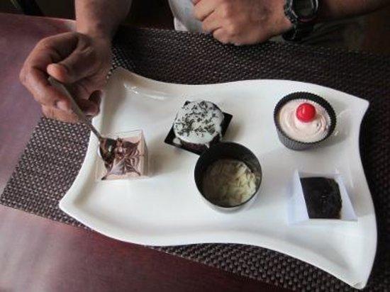 Benjarong: Desserts
