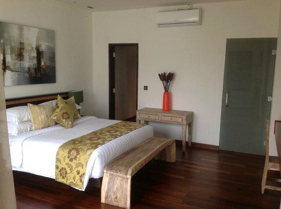 Artisane Villas and Spa: Upstairs bedroom 2