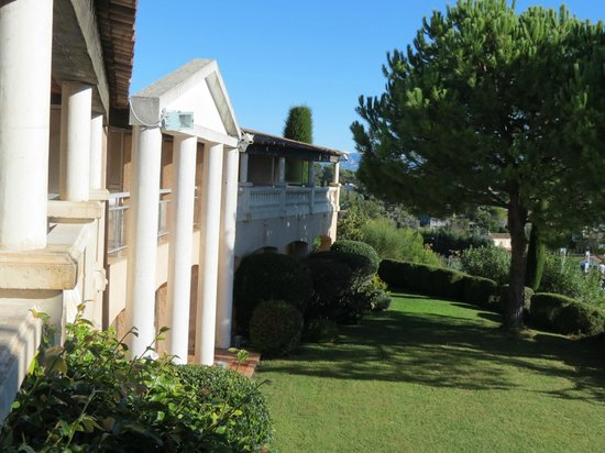 Best Western Castel Provence : Back gardens