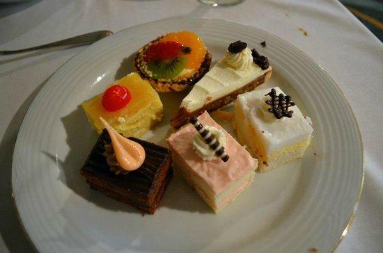 Hawaii Prince Hotel Waikiki: Delicious desserts