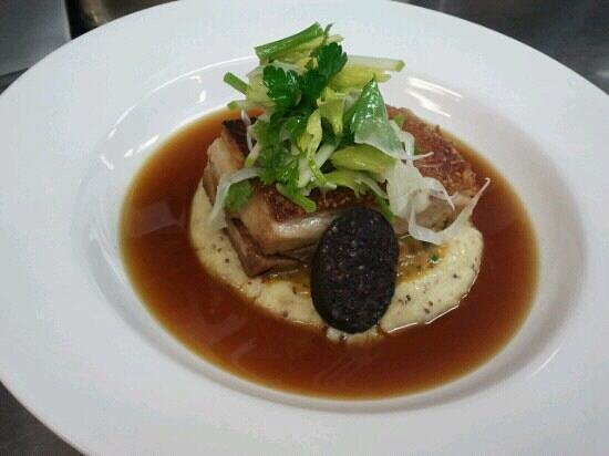 Donovans: Pork belly, black pudding with seeded mustard mash & a apple fennel leafy salad
