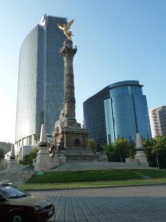 Sheraton Mexico City Maria Isabel Hotel: El Ángel  officially known as Monumento a la Independencia,