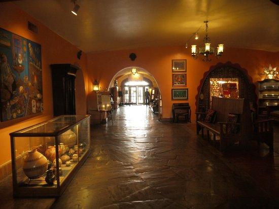 La Posada Hotel: corridoio dell'albergo