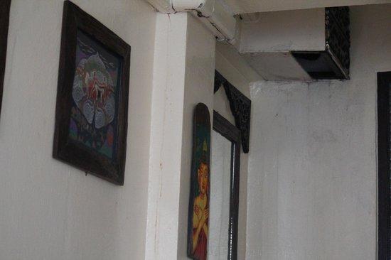 YHA Bangkok Downtown: Schäbiges Zimmer