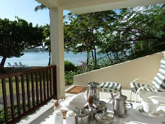 Calabash Luxury Boutique Hotel & Spa: Breakfast is served