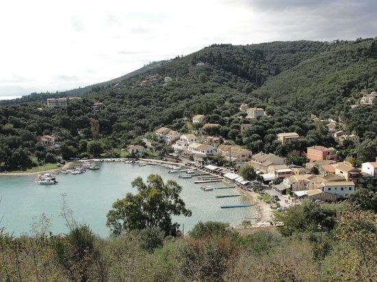 Kaparelli Taverna : View of the harbour