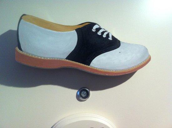 Craddock Terry Hotel: The shoe on the door