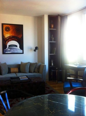 Urban Suites: My living room in the suit... The very comfy sofa is also convertable into a bed for 2.. !