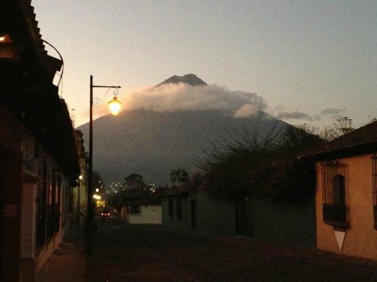 Antigua Spa Resort : volcano agua