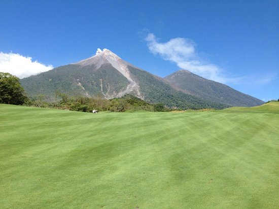 Antigua Spa Resort: taken from La Reunion golf and country club of volcano acatenango
