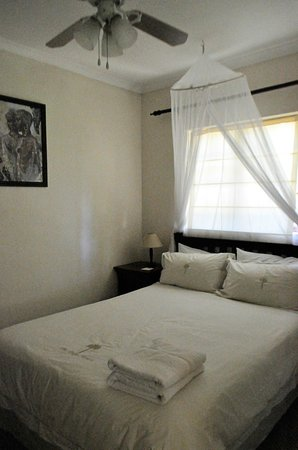 Palm House Luxury Guest House: Queen Size
