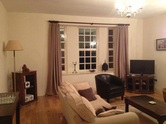 Primrose Grange House: Oposite side of the sitting room.
