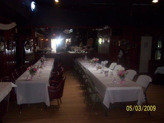 B & B Lounge: Wedding setup