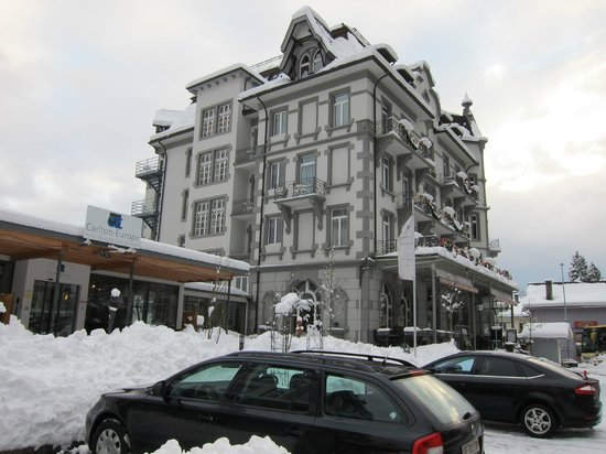 Carlton-Europe Hotel: View of one part of the hotel from the street