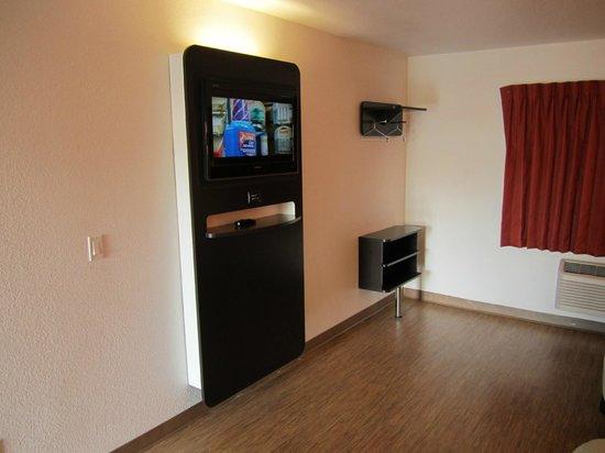 Motel 6 Anaheim: Guest Room