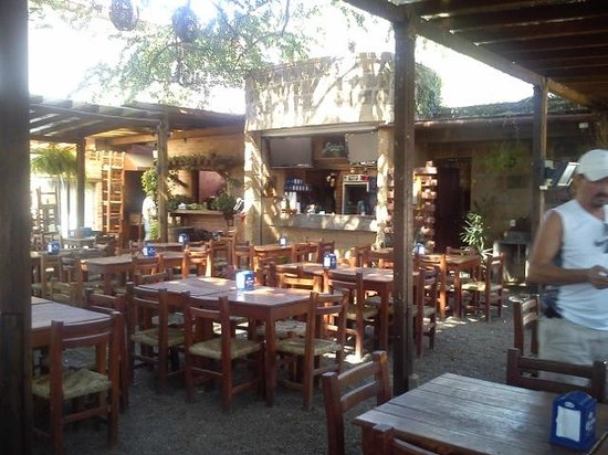 eating an excellent dinner at the mexican restaurant called puerto vallarta Here are some of the best restaurants in puerto vallarta, including elegant beachfront dining, casual eateries, and traditional mexican cuisine.