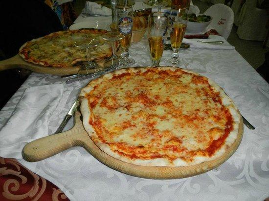 ristorante pizzeria S.Croce: Pizza margherita