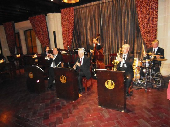 ‪Jazz Club at the Peace Hotel‬