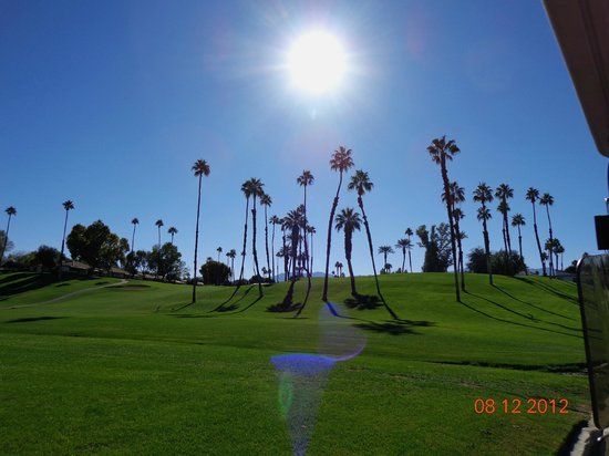 Omni Rancho Las Palmas Resort & Spa: Views from the golf course.