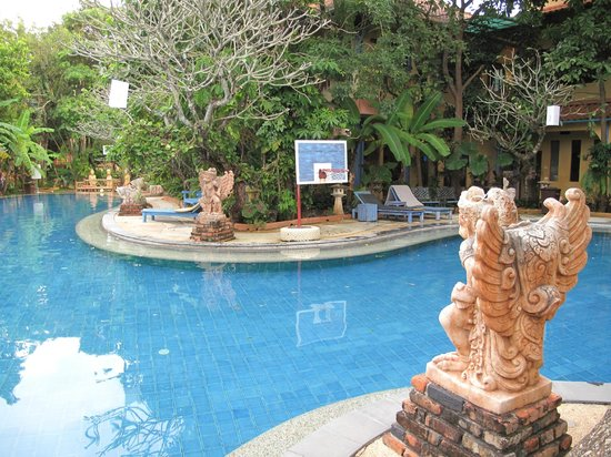 Ao Chalong Villa & Spa: Piscina