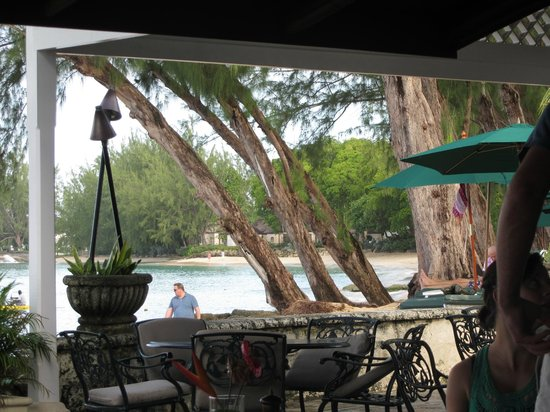 Coral Reef Club: Dining at water's edge