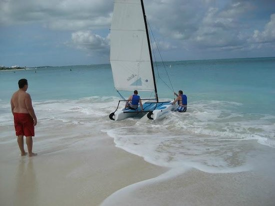 Royal West Indies Resort: Sail on the Hobie Cats